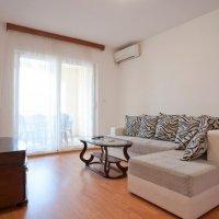02i1_livingroom