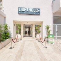 1hotel-entrance